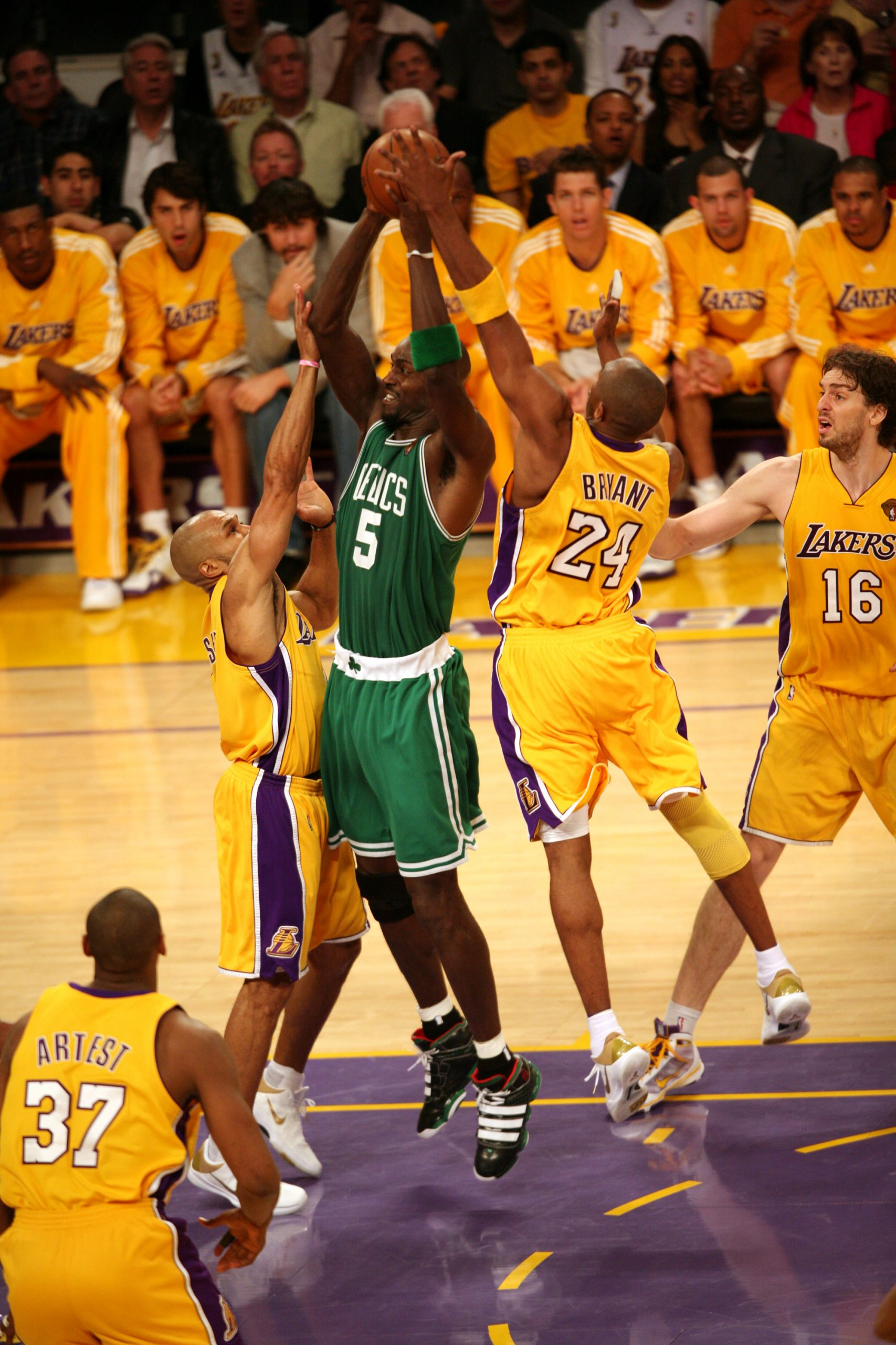 Lakers and Celtics Dance Once More Time
