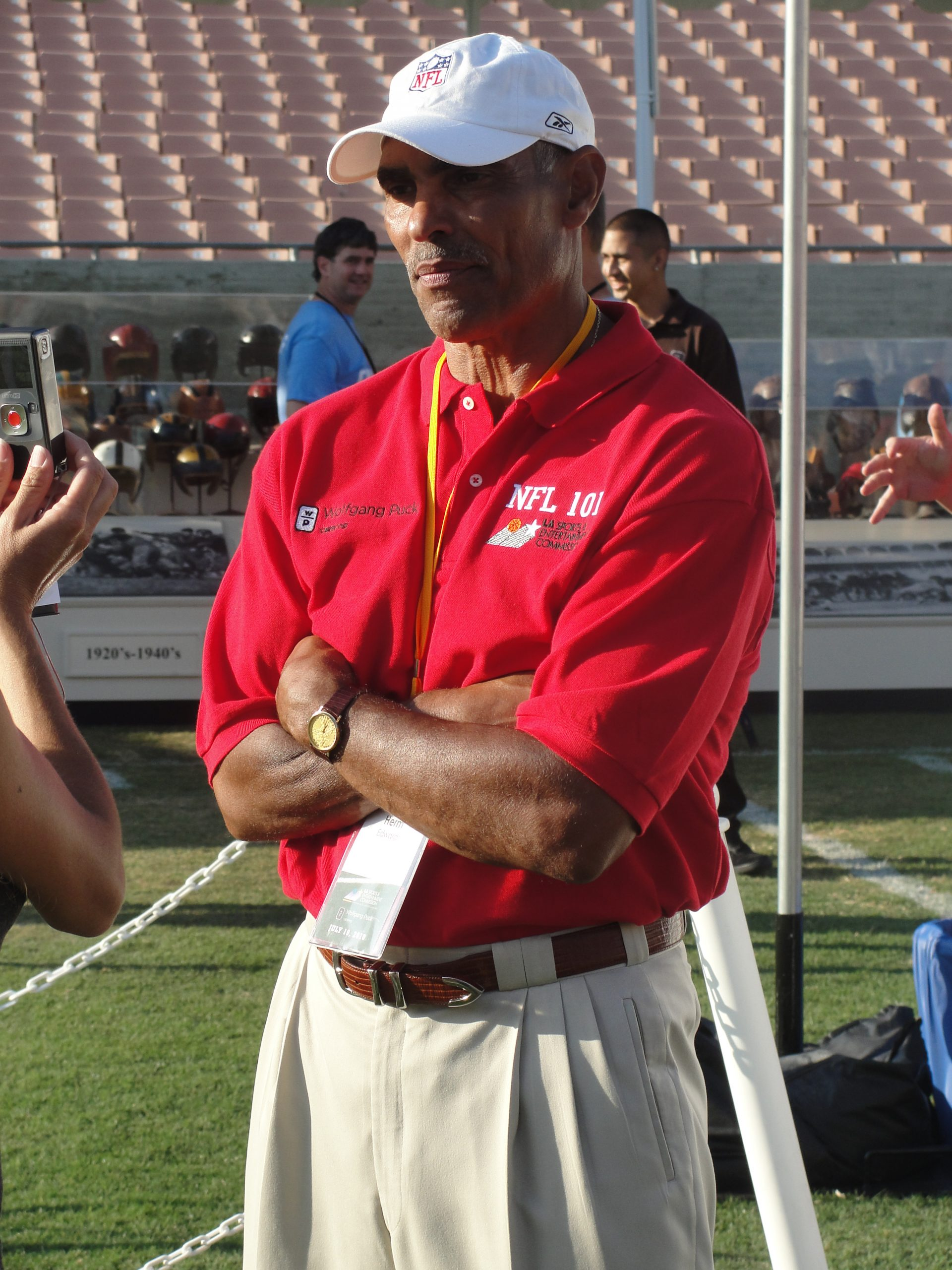 Former Kansas City Chiefs and New York head coach Herman Edwards thinks it would be a good idea if Los Angeles was able to land another NFL team./Dennis J. Freeman