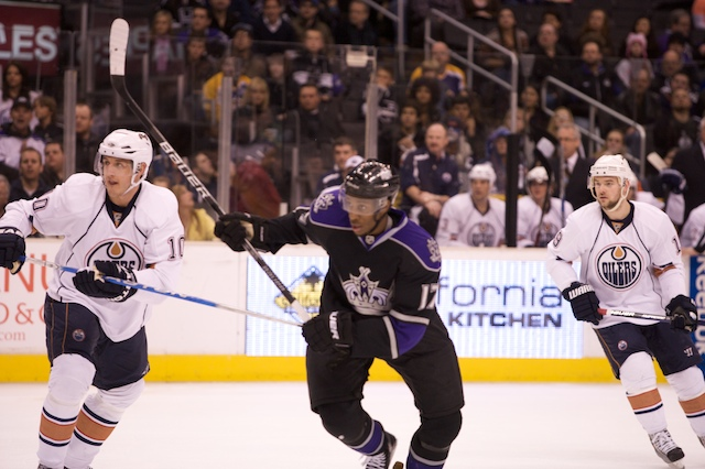 By Dennis J. Freeman Los Angeles-The Los Angeles Kings and Calgary Flames couldn't settle their fifth meeting of the season...