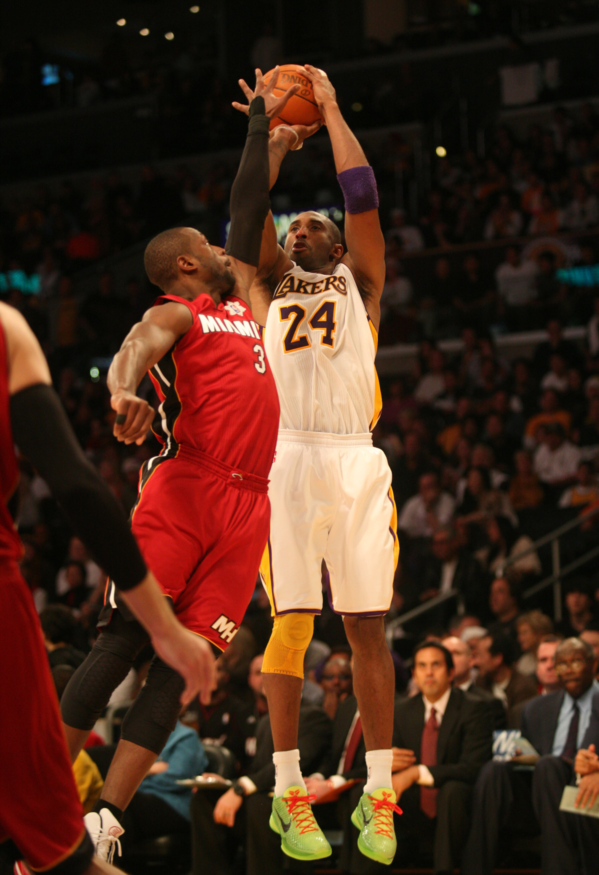 By Dennis J. Freeman Los Angeles Lakers superstar Kobe Bryant has gone toe-to-toe with the best players in the NBA....
