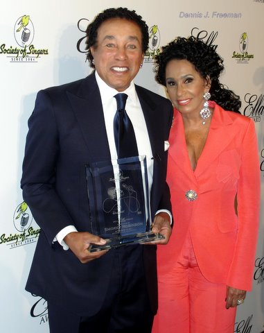 Smokey Robinson and wife Frances celebrate the singer's Ella Award presented by the Society of Singers./Photo/Dennis J. Freeman
