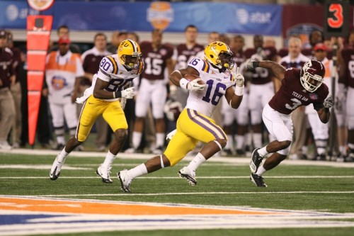 LSU (white), which plays for the BCS National Championship, graduates 69 percent of its African American football players. Texas A&M (burgundy), graduate only 45 percent of its black football players./Photo Credit: Kevin Reece