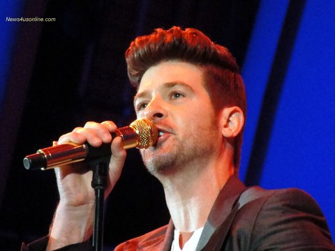 Robin Thicke lit up the 2012 Playboy Jazz Festival with a electric performance. Photo: Dennis J. Freeman