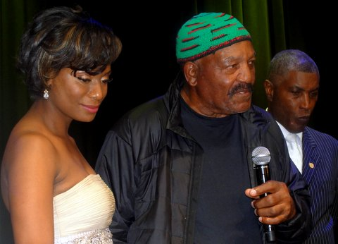 Power Couple: Monique and Jim Brown (center) at the Hall of Fame running back 75h birthday celebration in Los Angeles. Photo Credit: Dennis J. Freeman