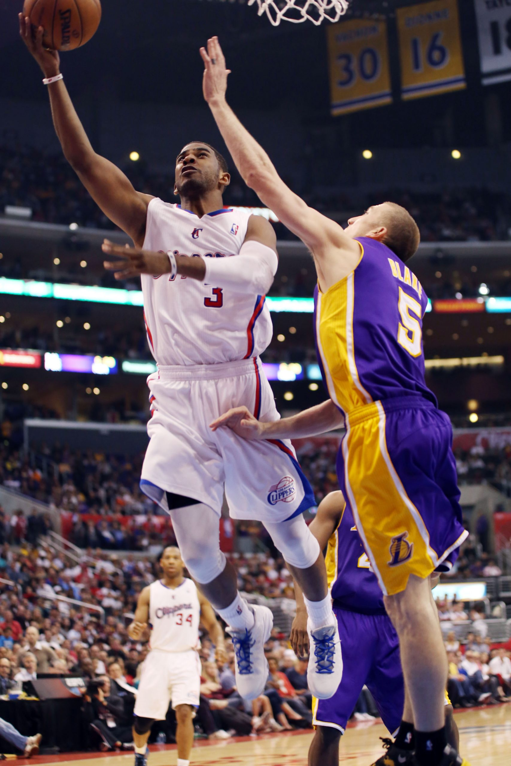 LOS ANGELES-Futility and apathy used to describe the Los Angeles Clippers. Not anymore. These days the potential for greatness is...
