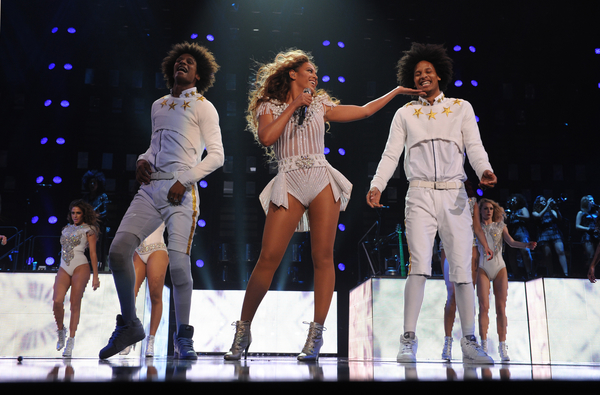The Mrs. Carter Show: Beyonce Does it and Does it Well