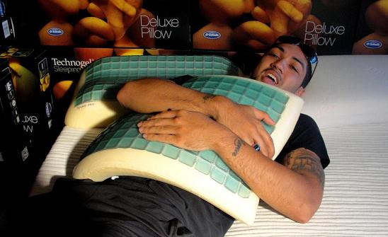Point guard Peyton Silva, who guided the Louisville Cardinals to the national championship in men's basketball, chills out on a Technogel Sleeping pillow.
