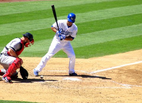 Dodgers whiff and miss against Red Sox's Lester