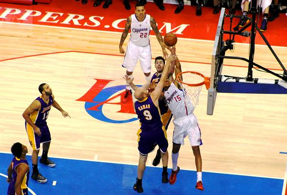 Clippers Flip Switch on Lakers