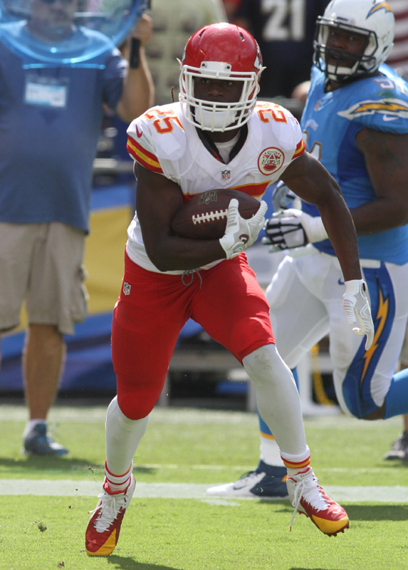 Kansas City Chiefs running back Jamaal Charles rushes for 95 yards against the San Diego Chargers in an AFC West battle. Photo Credit: Kevin Reece/News4usonline.com