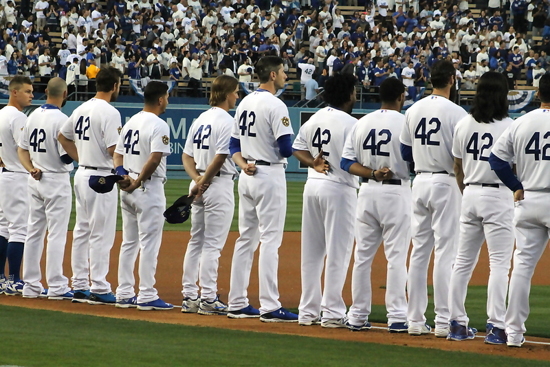 Dodgers, MLB honor No. 42
