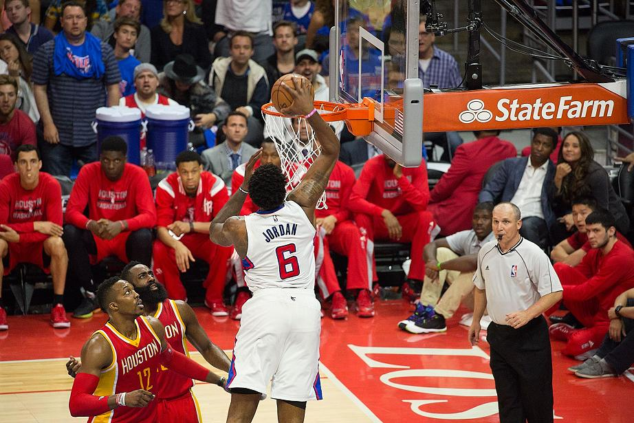 DeAndre Jordan putting in work. Photo Credit: Tiffany Zablosky/News4usonline.com