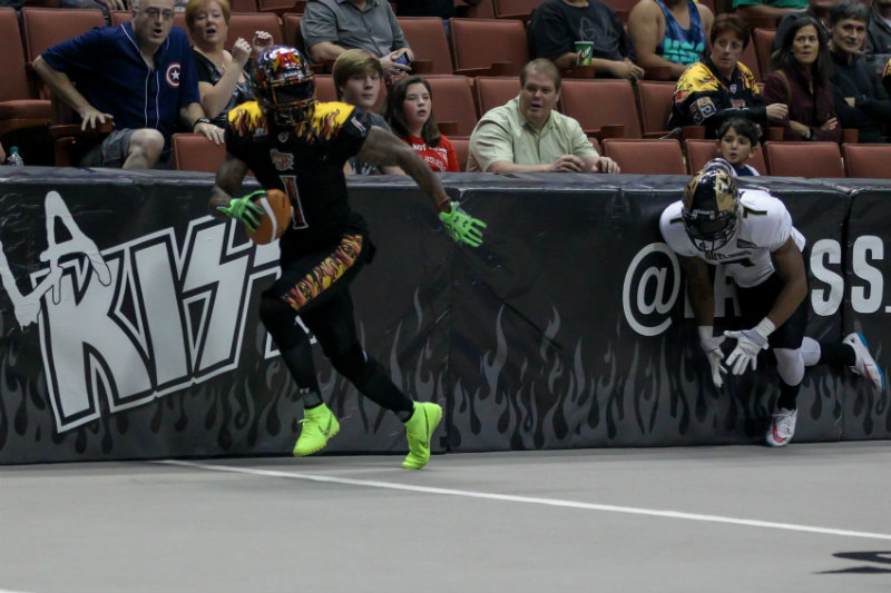 LA KISS wide receiver Donovan Morgan runs into the endzone as the LA KISS defeats the Las Vegas Outlaws, 37-27, at the Honda Center in Anaheim. Photo by Jordon Kelly