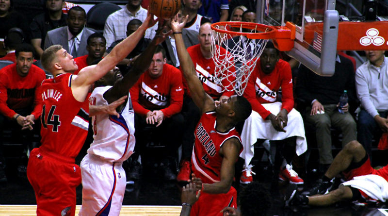 The Clippers had a difficult time getting to the basket against the Trailblazers. Photo by  Kevin Reece/News4usonline.com