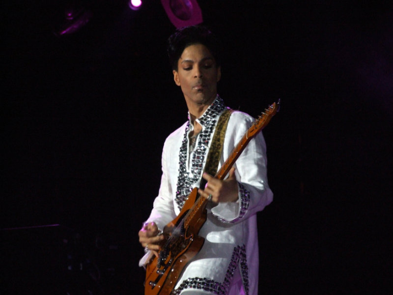 Purple cloud reigns over Prince