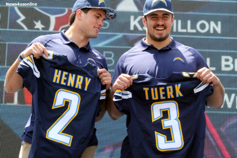 San Diego Chargers rookies Hunter Henry (left) and Max Tuerk. Photo by Dennis J. Freeman/News4usonline.com