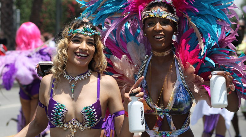 Heat turned up at annual Hollywood Carnival