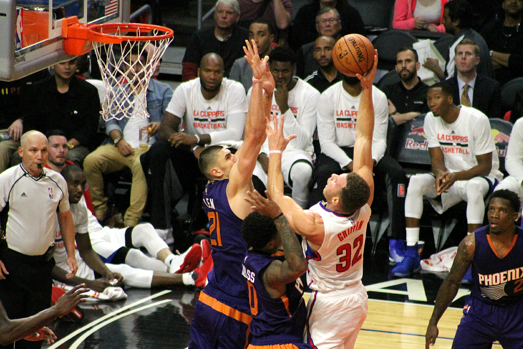 Rising to the challenge: Blake Griffin is playing at MVP form early in the Clippers' 2016-2017 season. Photo by Dennis J. Freeman/News4usonline.com