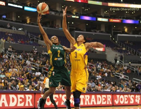 Candace Parker and the Los Angeles Sparks are ready to make a run towards the WNBA title. Photo Credit: Erlinda Olvera / News4usonline.com