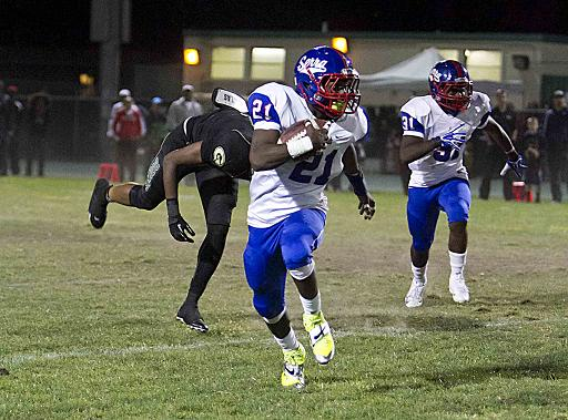Serra's one-man wrecking crew Adoree' Jackson puts on a show against Narbonne. Photo Credit: Jevone Moore/Full Image 360
