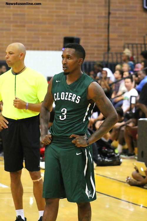 The left-handed Jennings razzled and dazzled the Drew League crowd. Photo Credit: Dennis J. Freeman/News4usonline.com