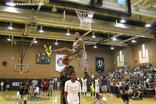 Dropping it like its hot: The Drew League championship game featured a slam dunk contest. Photo Credit: Dennis J. Freeman/News4usonline.com