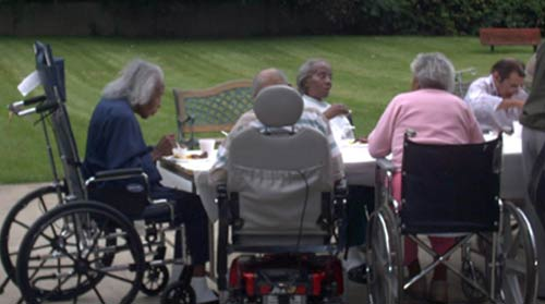 esidents at the Lemington Home were served lunch by University of Pittsburgh student and retiree volunteers in the early 2000s.