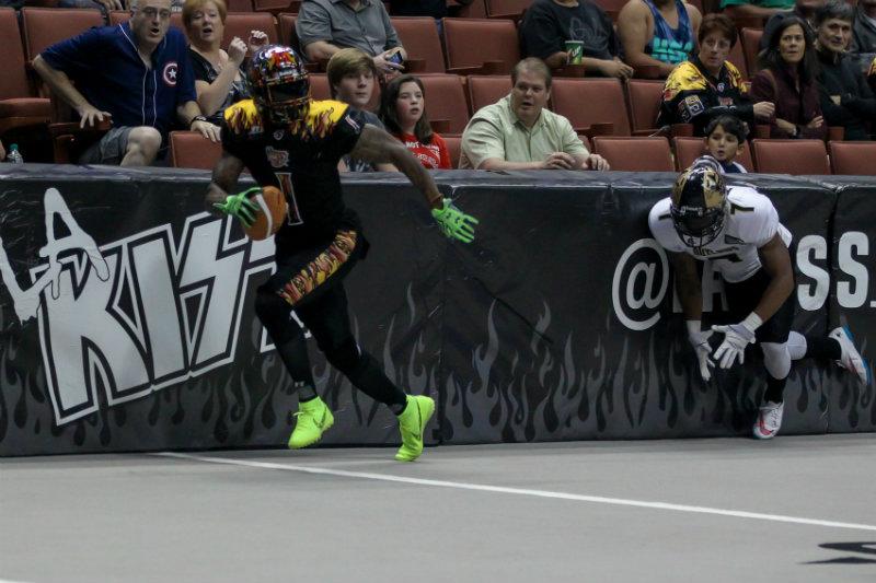 LA KISS wide receiver Donovan Morgan runs into the endzone as the LA KISS defeats the Las Vegas Outlaws, 37-27, at the Honda Center in Anaheim. Photo by Jordon Kelly