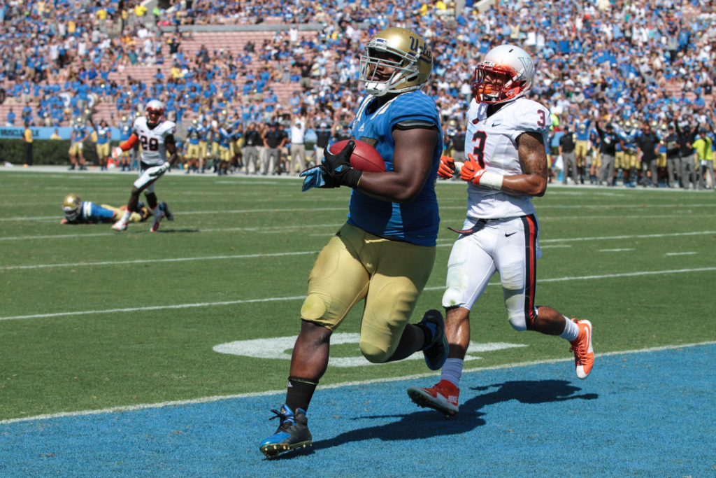 Kenny Clark as tight end catches touchdown. Photo by Jevone Moore