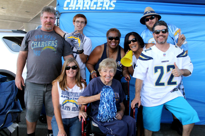 Tailgating the San Diego Chargers way. The J2 Crew hang out and pose for the camera. Photo by Dennis J. Freeman/News4usonline.com
