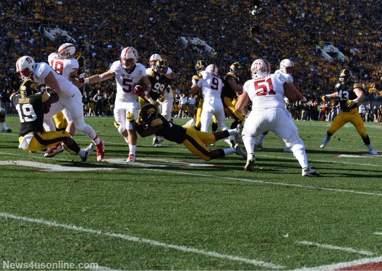 Stanford's Christian McCaffrey had his way against Iowa in the 2016 Rose Bowl Game presented by Northwestern Mutual. Photo by Dennis J. Freeman/News4usonline.com