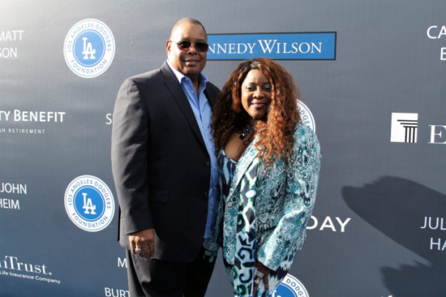 Actress Loretta Devine is escorted by her husband at the Dodgers 3rd Annual Blue Diamond Gala. Photo by Dennis J. Freeman/News4usonline.com