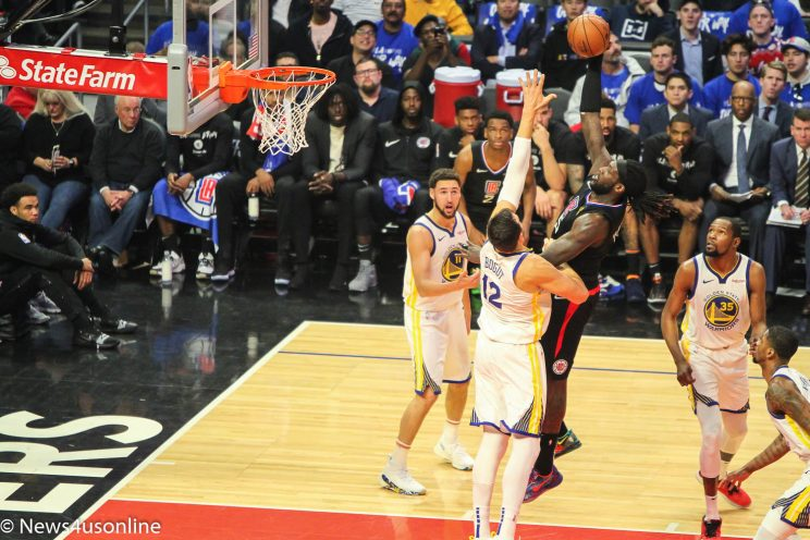 The Golden State Warriors defeat the Los Angeles Clippers in Game 3