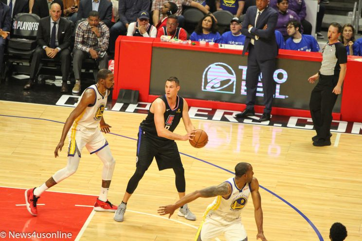 Warriors defeat Clippers in Game 3