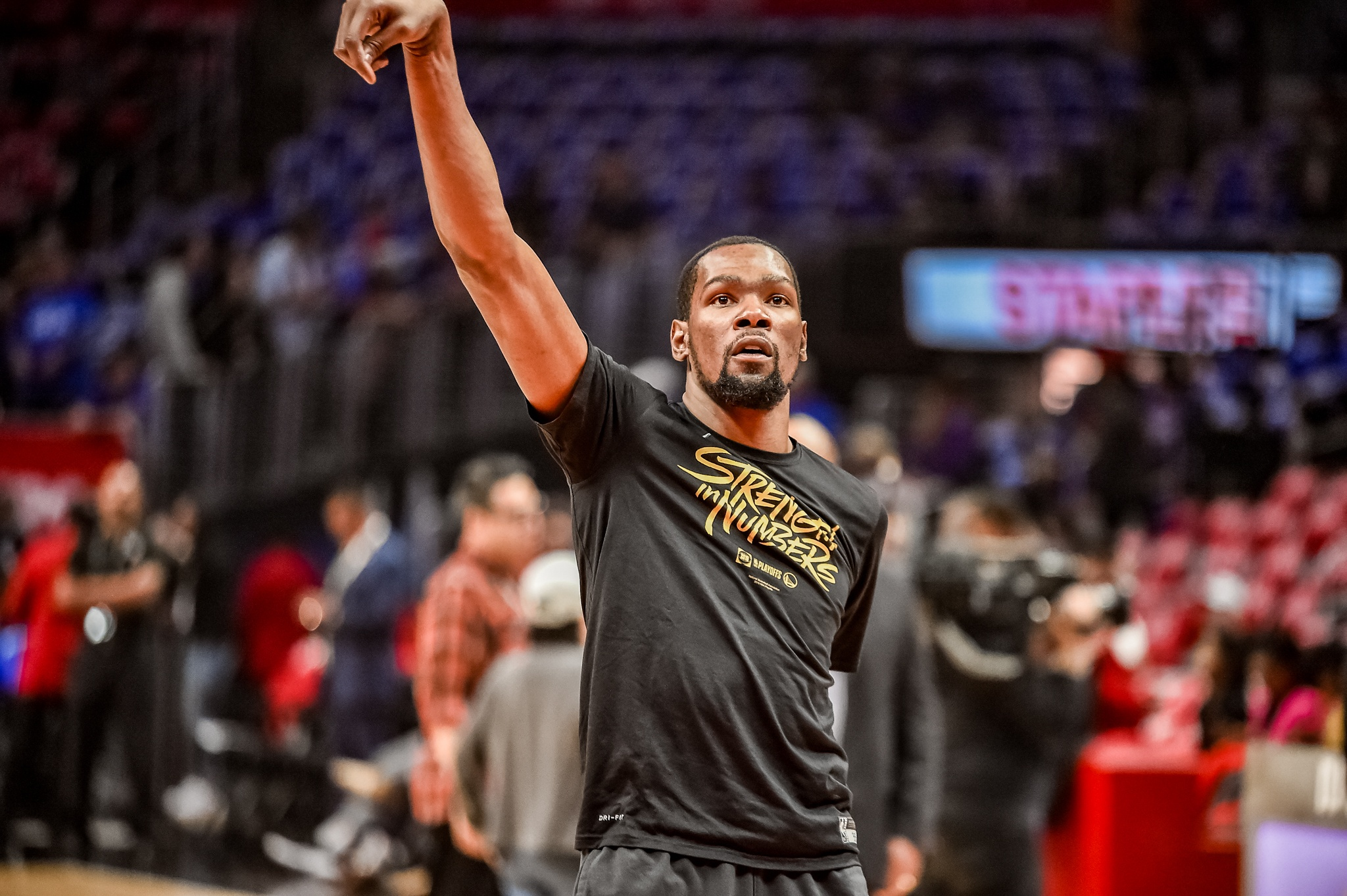 Warriors close out Clippers behind Kevin Durant's 50