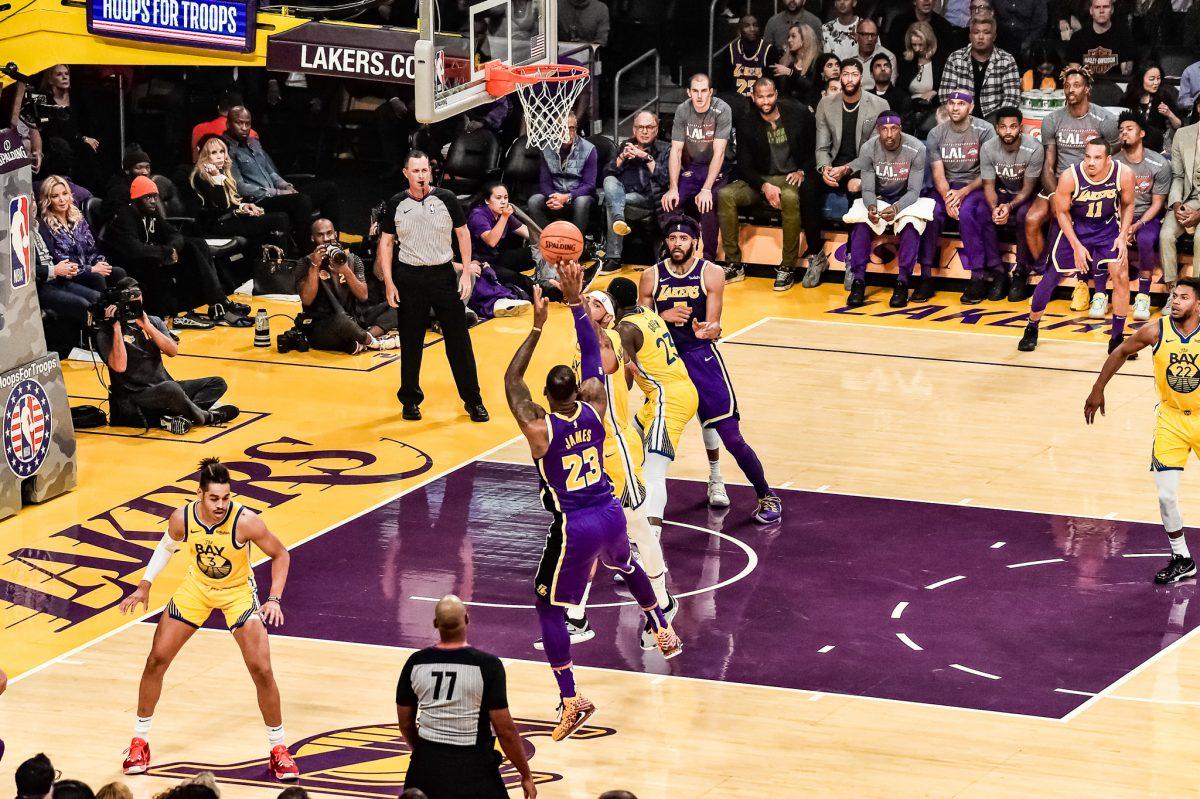 Lakers versus Warriors 2019