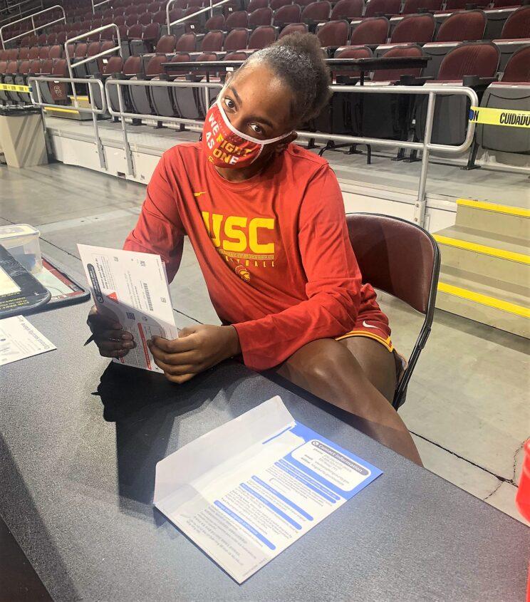 USC women's basketball star Jordyn Jenkins with her ballot.